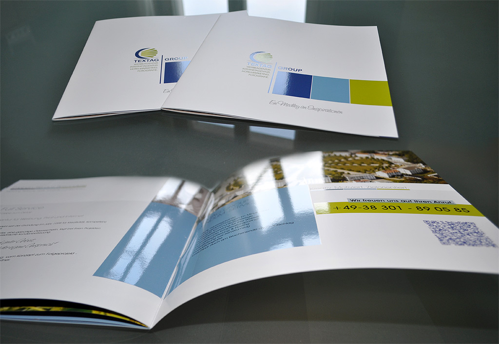 Grafik & Design Referenzen: TEXTAG GROUP - Imagebroschüre mit partieller UV-Lackierung