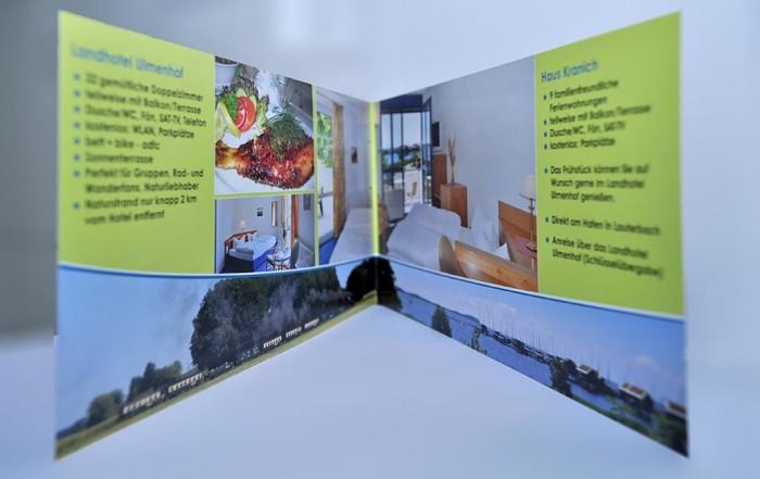 Flyer Ferienwohnungen Referenz, Flyer DIN lang, 4-seitig Landhotel Ulmenhof, Vilmnitz, Rügen